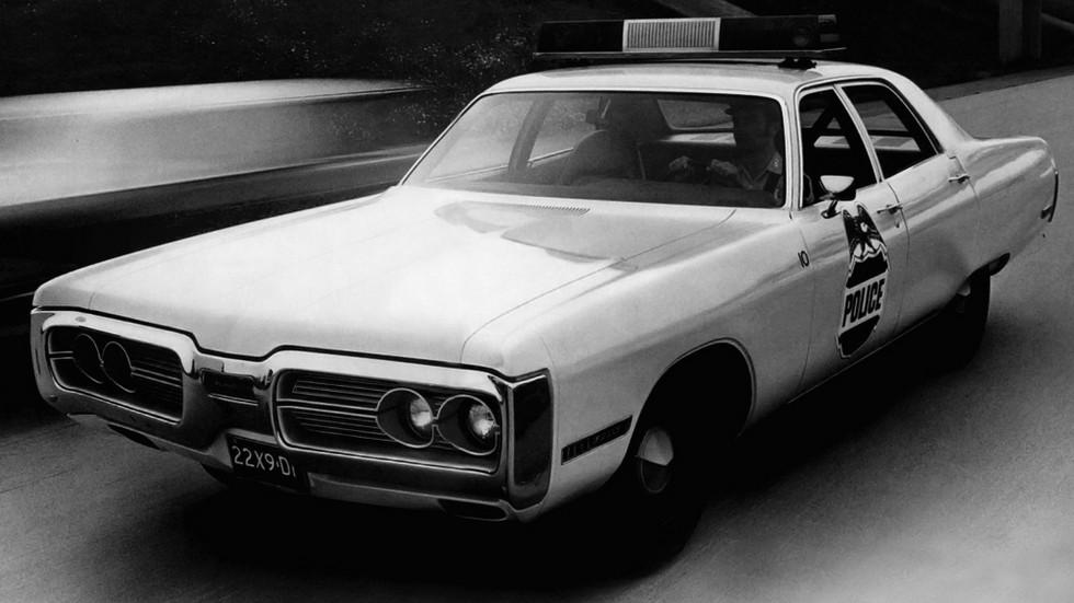 1972 plymouth gran fury sedan полиция