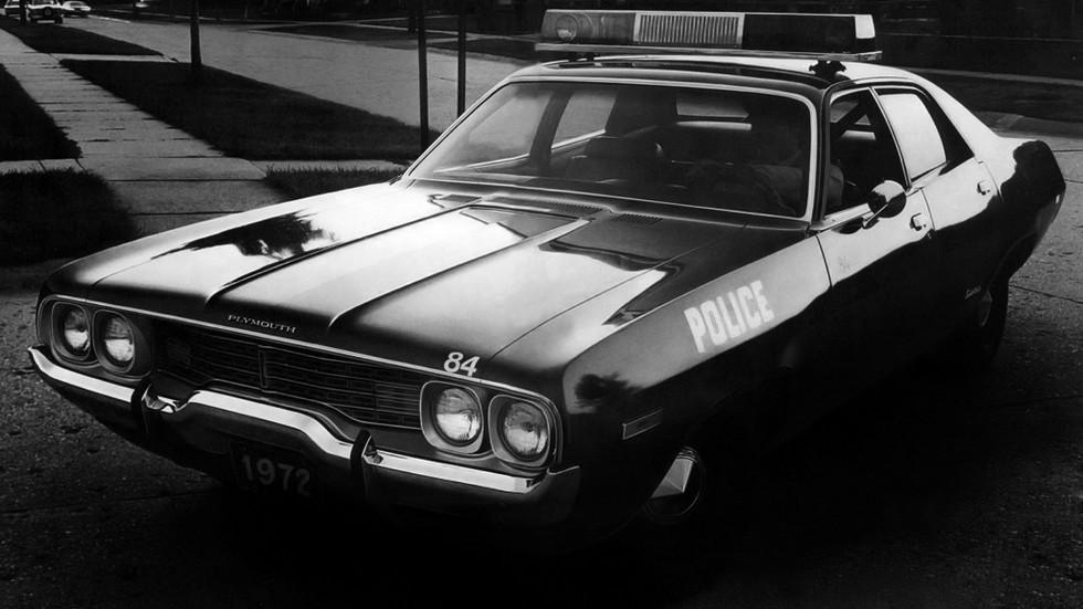 1972 plymouth satellite полиция