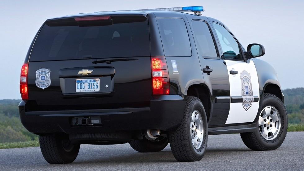 2008 chevrolet tahoe полицейский вид три четверти спереди