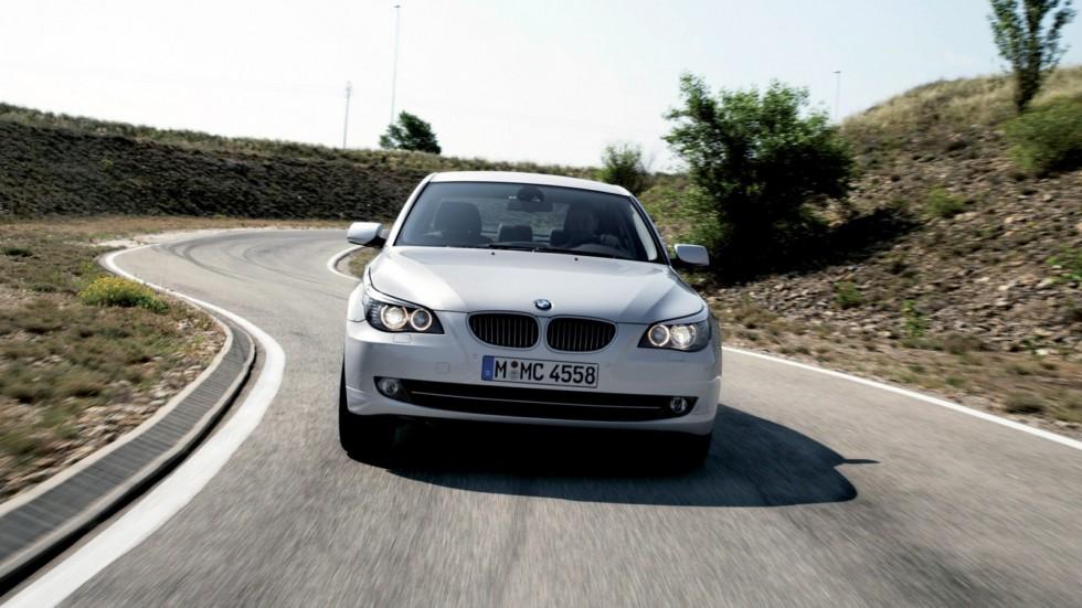 BMW 530xi (E60) вид спереди
