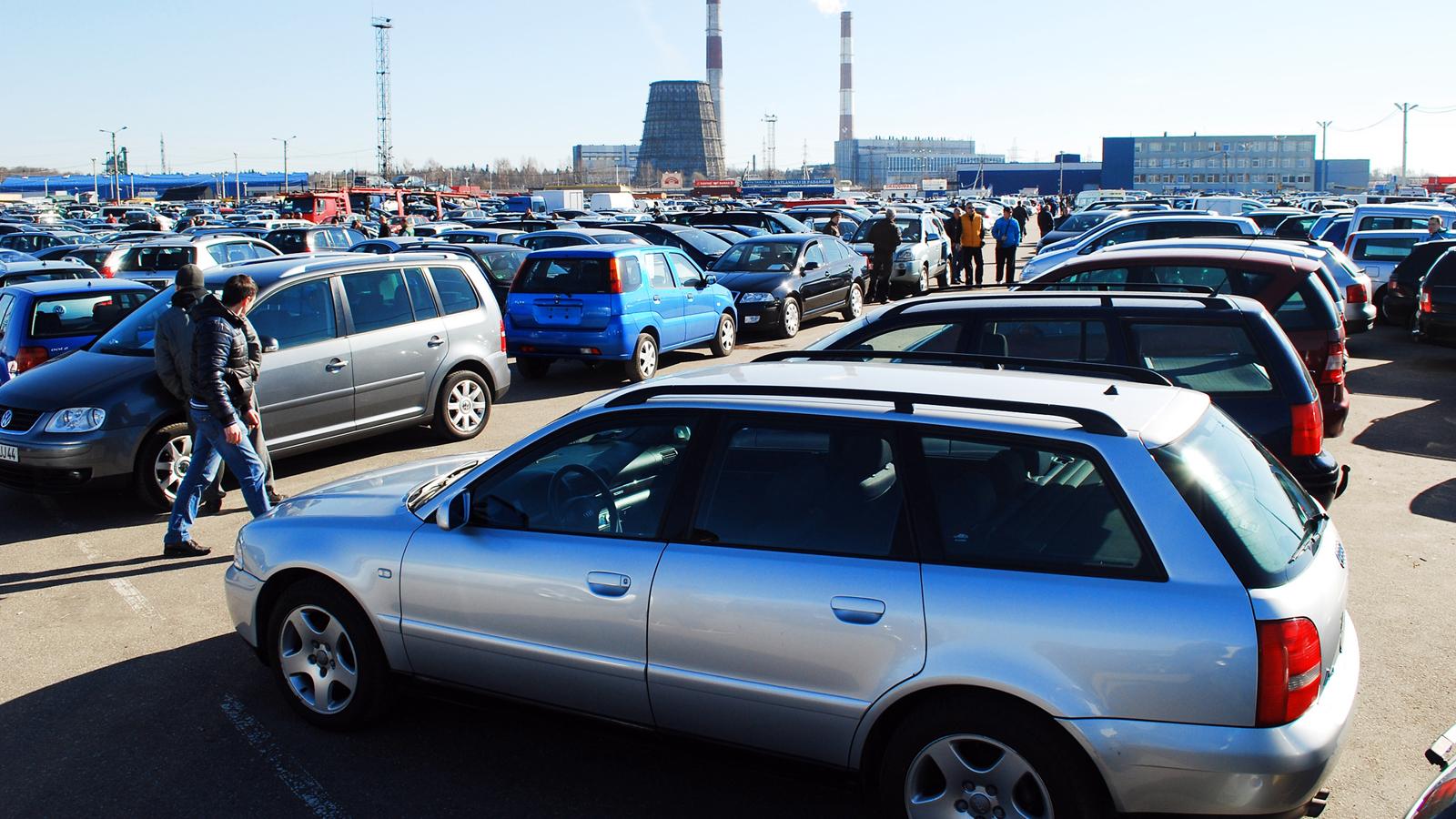 Жители России смогут мгновенно «пробивать» машины друг дружку