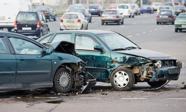 Страховщика обязали выплатить неустойку за просроченный ремонт авто