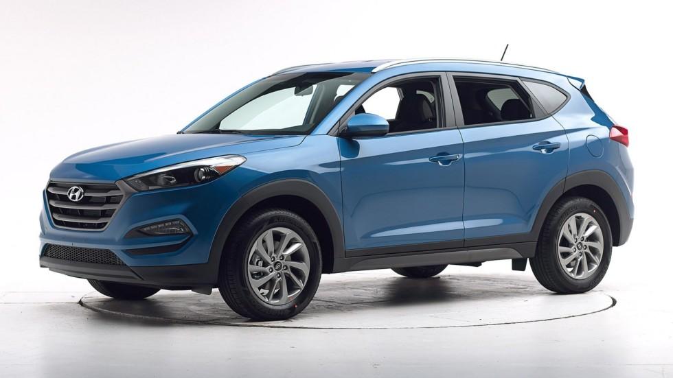 Hyundai Tucson синий вид три четверти