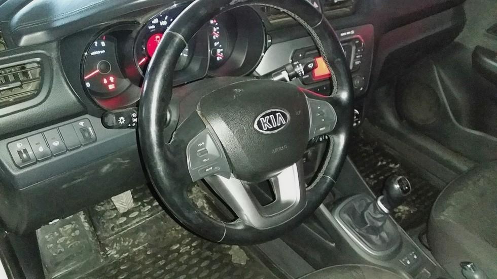 Kia Rio руль
