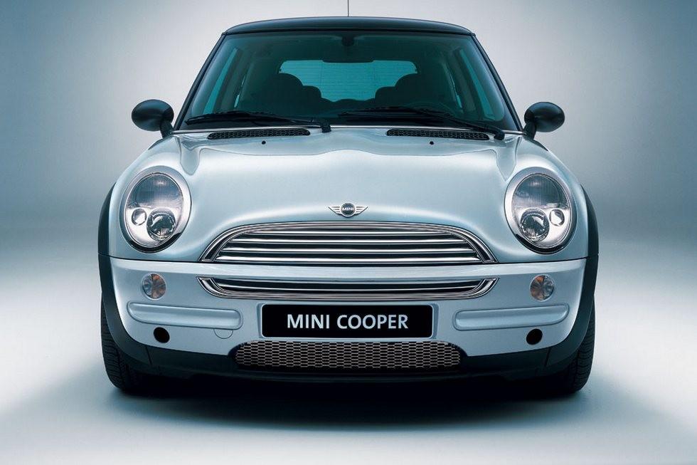 Mini Cooper вид спереди