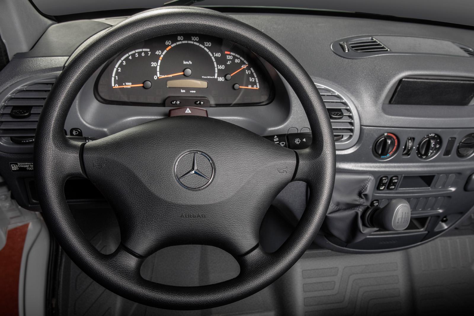 Улучшенный Мерседес-Бенс Sprinter Classic доступен для заказа в Российской Федерации