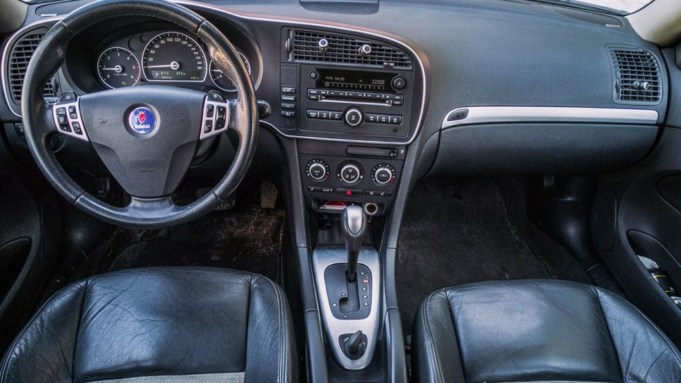 Saab 9-3 SportCombi интерьер (2)