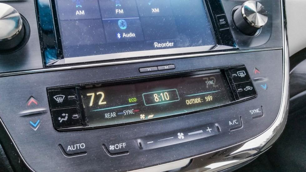 Toyota Avalon интерьер блок управления
