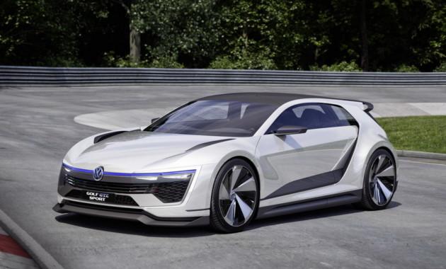 VW  вывела натесты новый тип  хэтчбека Golf