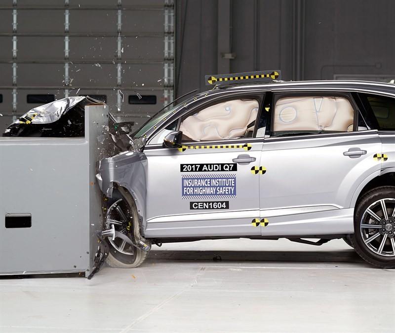 Audi Q7 краш тест