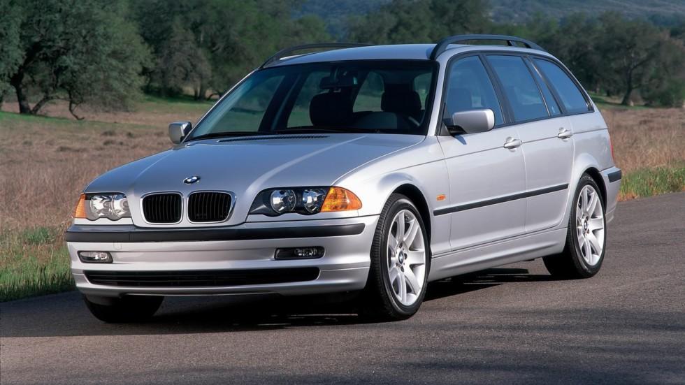BMW 323i Touring серебристый вид три четверти