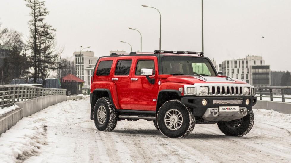 Hummer H3 красный вид три четверти
