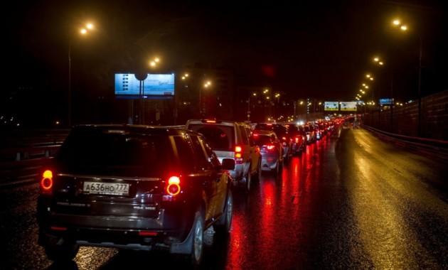 Две тысячи Land Rover собрались для рекорда