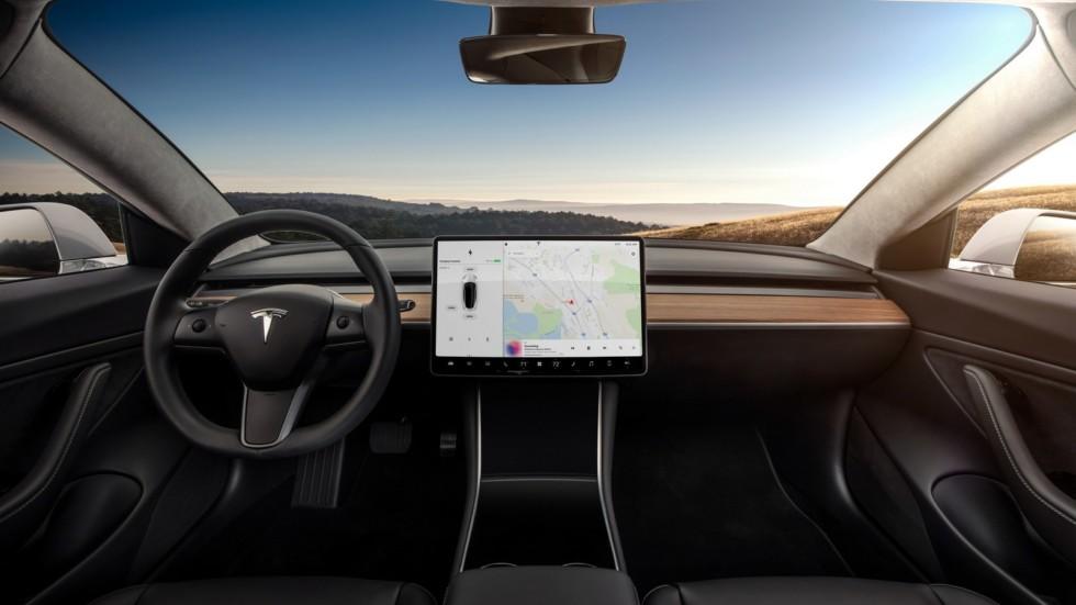 Tesla Model 3 (фото салона)