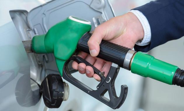"""Для АЗС оставят только бензин, """"дизель"""" и газ"""