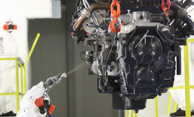 Назаводе КАМАЗа запущена линия окраски новых двигателей