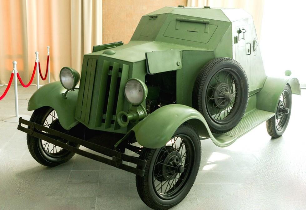 Восстановленный броневик Д-8 на базе Ford-A