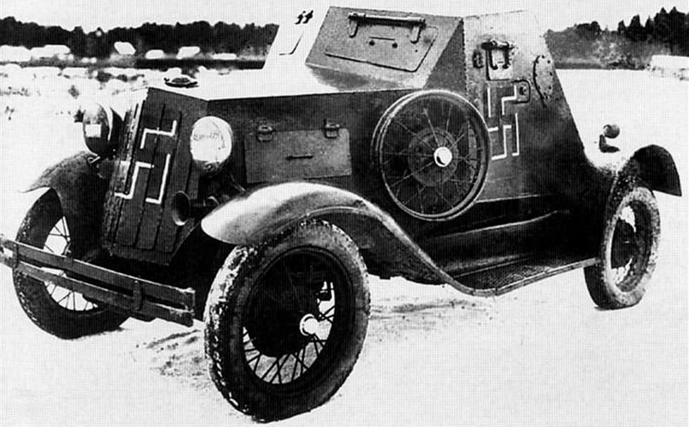 Трофейный бронеавтомобиль Д-8