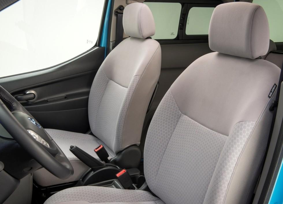 Электрический минивэн Nissan e-NV200 с усиленной батареей начал добираться до клиентов