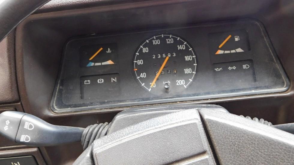 Opel Corsa панель приборов