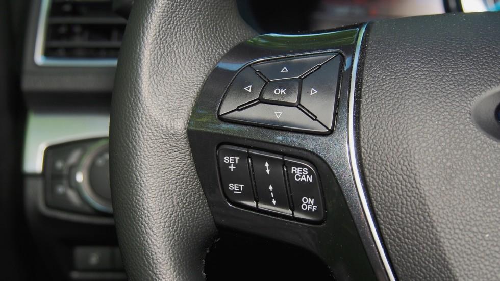 Ford Explorer кнопки на руле