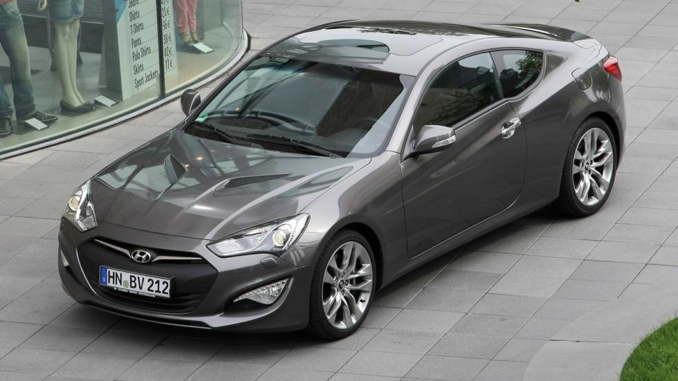 Hyundai Genesis Coupe серый вид три четверти