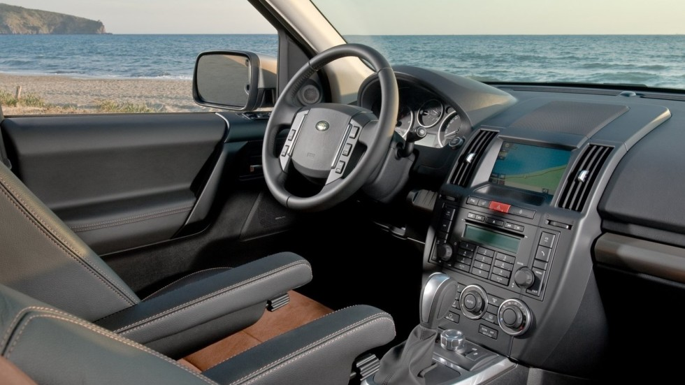 Land Rover Freelander 2 интерьер