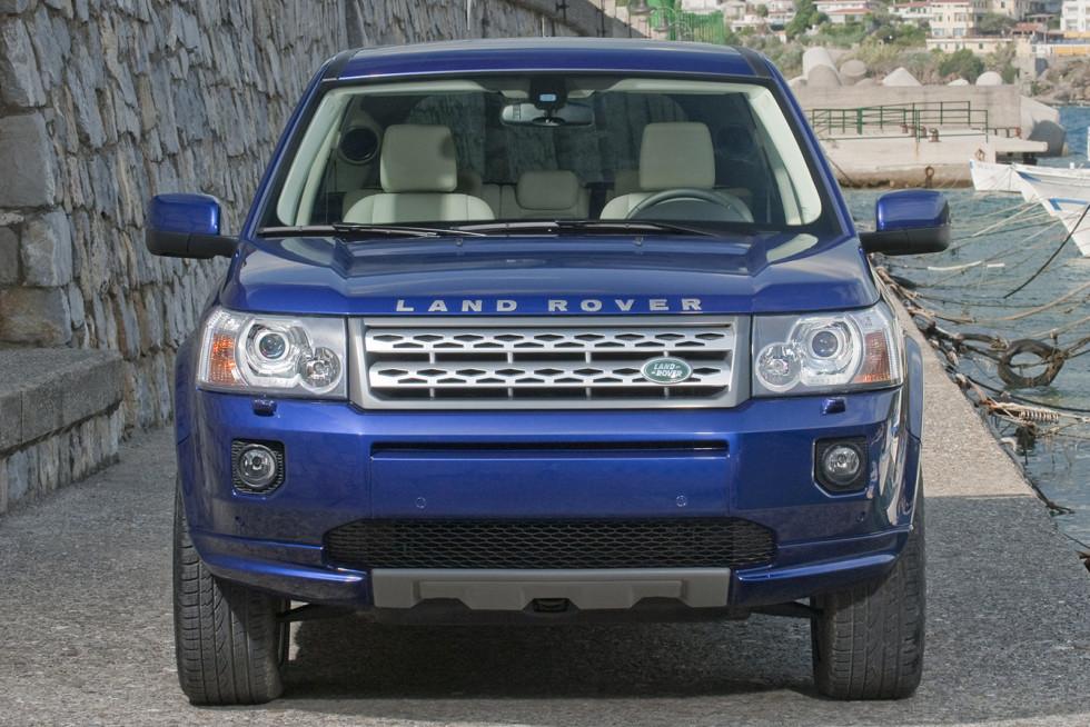 Land Rover Freelander 2 спереди