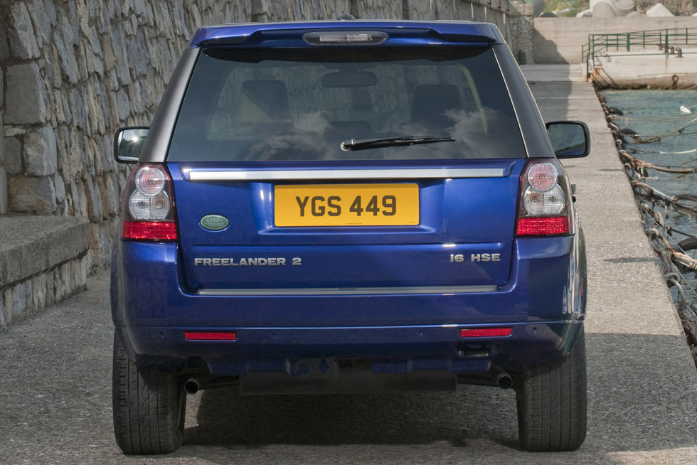 Land Rover Freelander 2 сзади