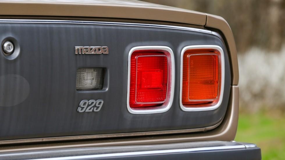 Mazda 929 коричневая фонари