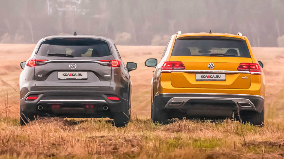 Mazda CX-9 и Volkswagen Teramont вид сзади