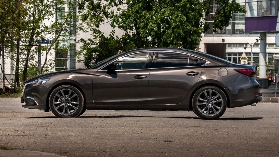 Mazda6 темно-серая вид сбоку
