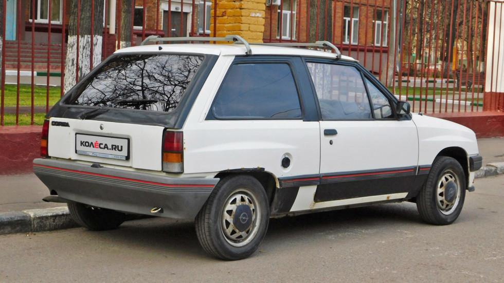 Opel-Corsa-A-vid-szadi