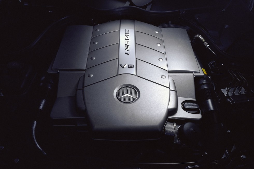 Под капотом Mercedes-Benz CLK 55 AMG Worldwide (C209) '2002–05