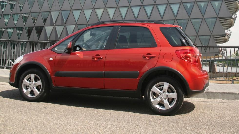 Suzuki SX4 Worldwide '2009–14 красный сбоку