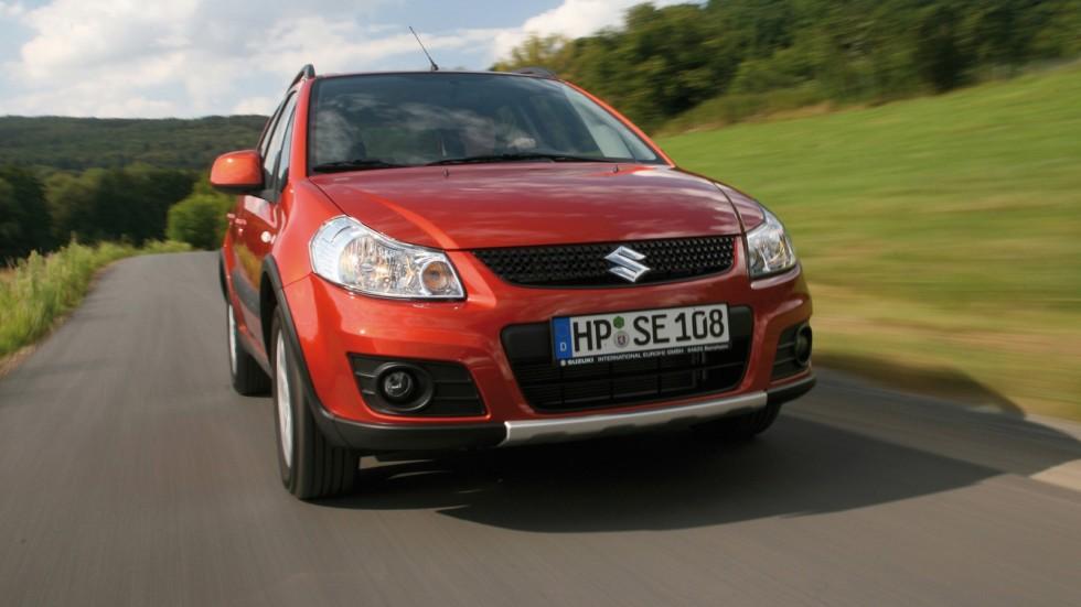 Suzuki SX4 '2009–14 красный в движении