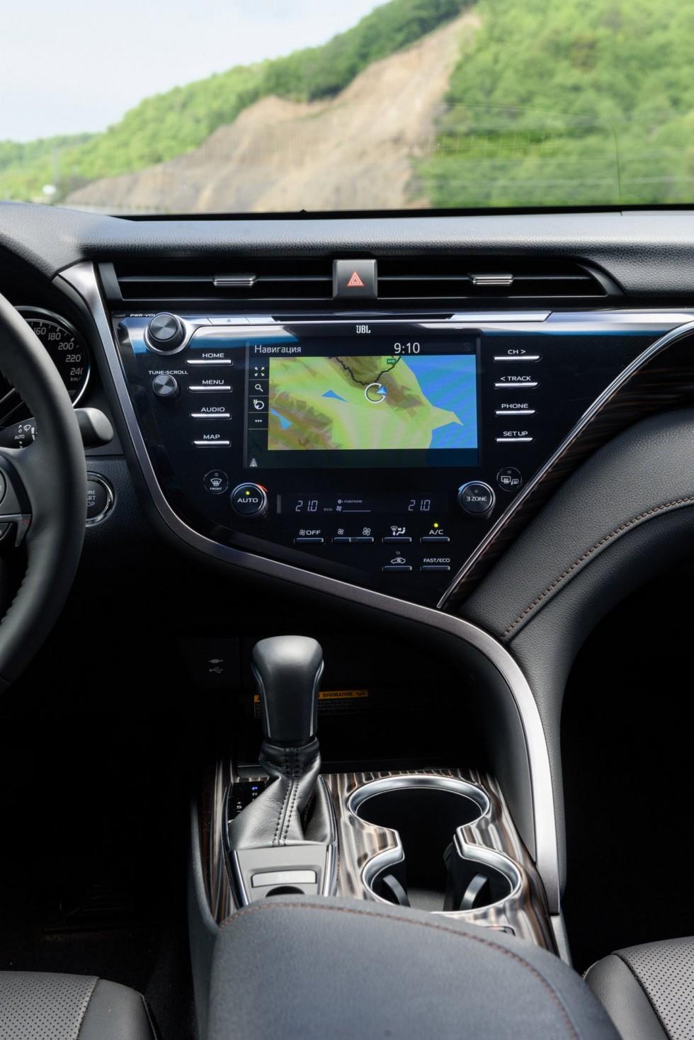 Toyota Camry бортовой компьютер