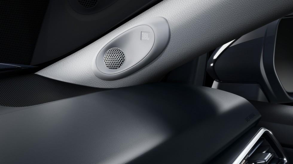 Toyota Camry интерьер колонка JBL