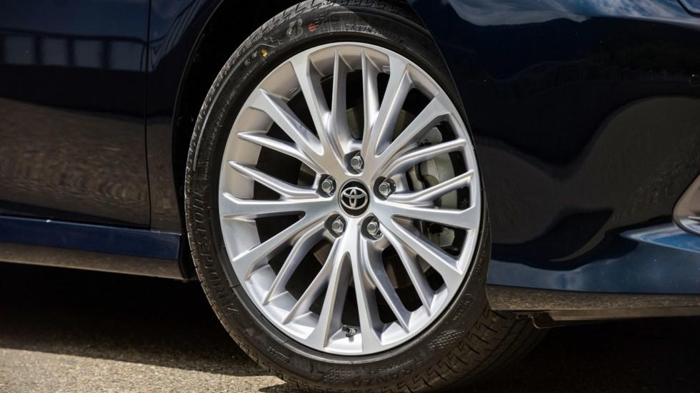 Toyota Camry колесо