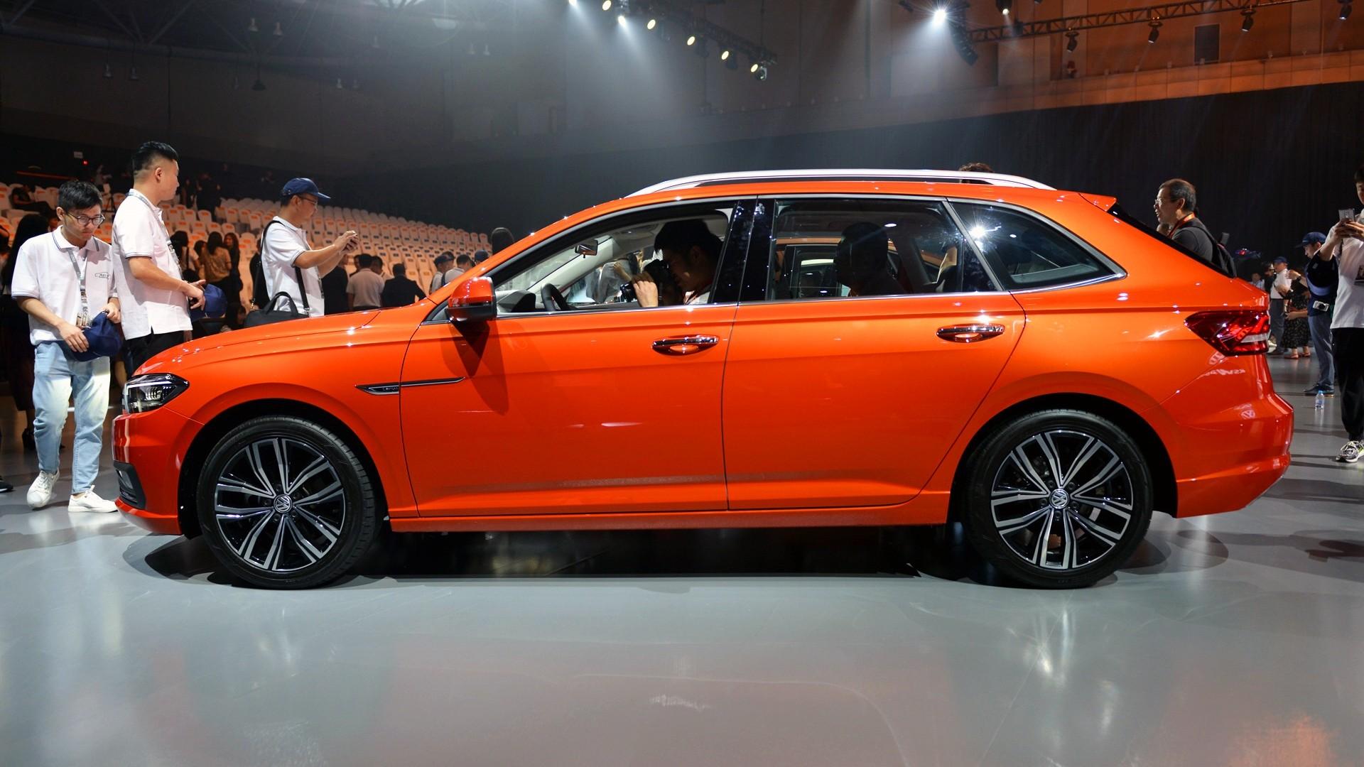 Нарынок вышел новый седан VW Lavida Plus