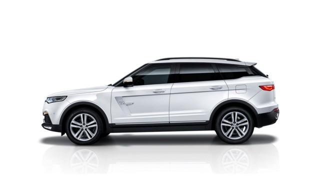 Новые фото кроссовера Zotye с дизайном по мотивам Range Rover