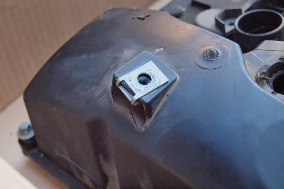 BMW X3 клапанная крышка