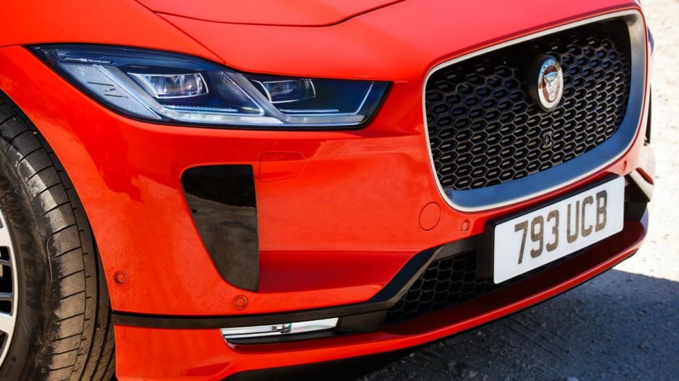 Jaguar I-PACE красный (22)