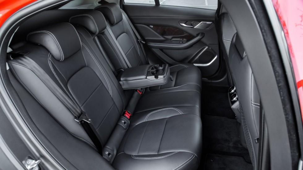 Jaguar I-PACE задний диван