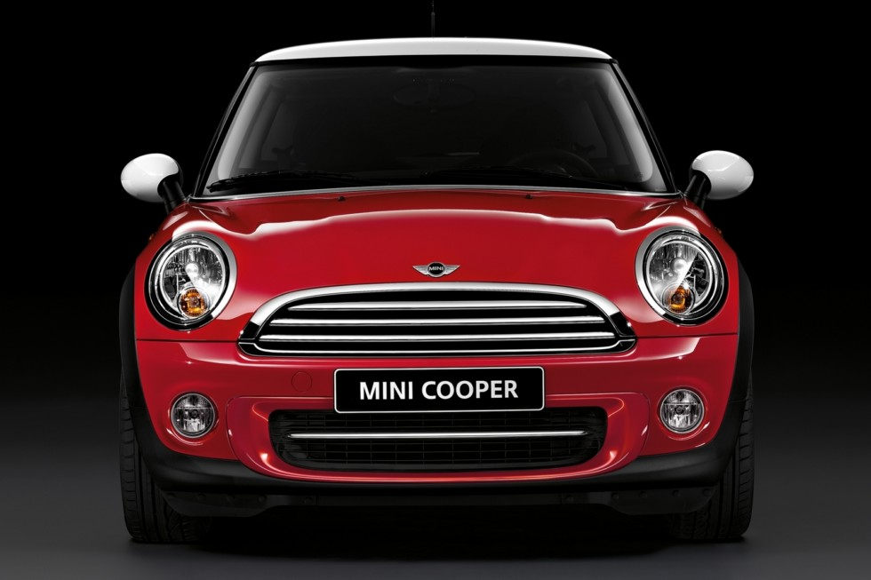 Mini Cooper (R56) '2010–14 красный спереди