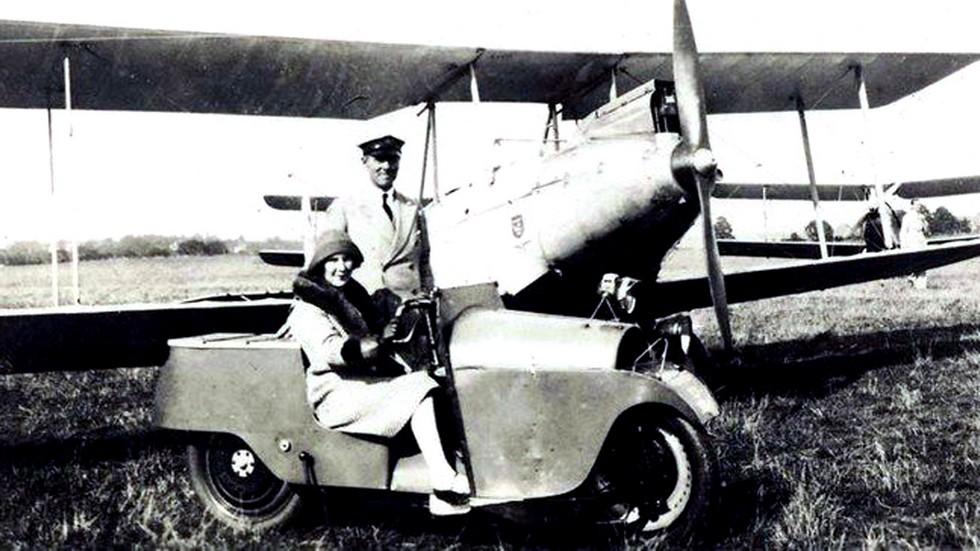 Monocar у легкого самолета компании AVRO