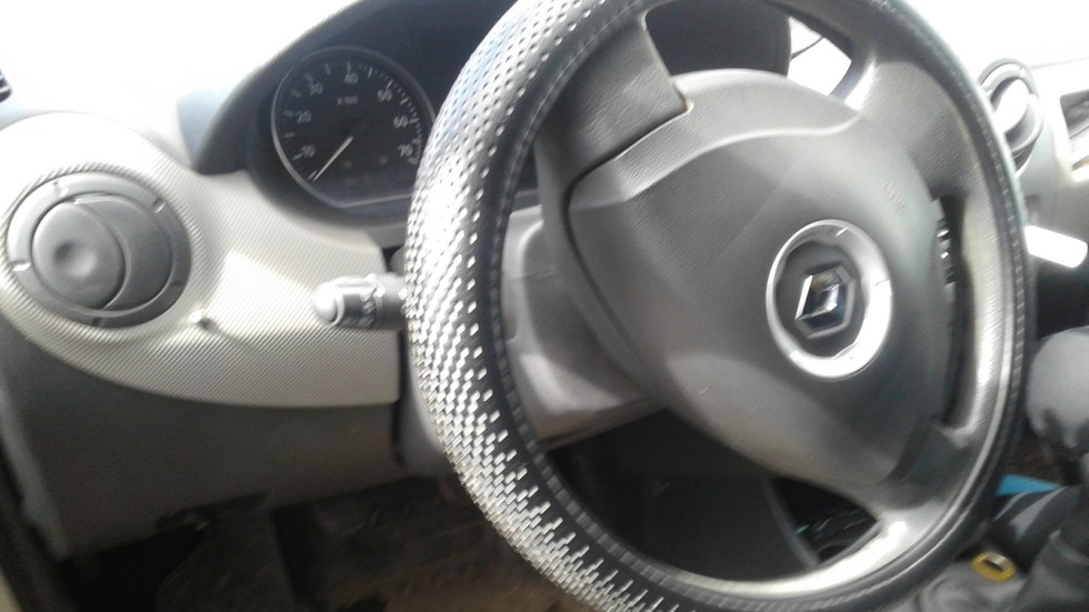 Renault Logan руль