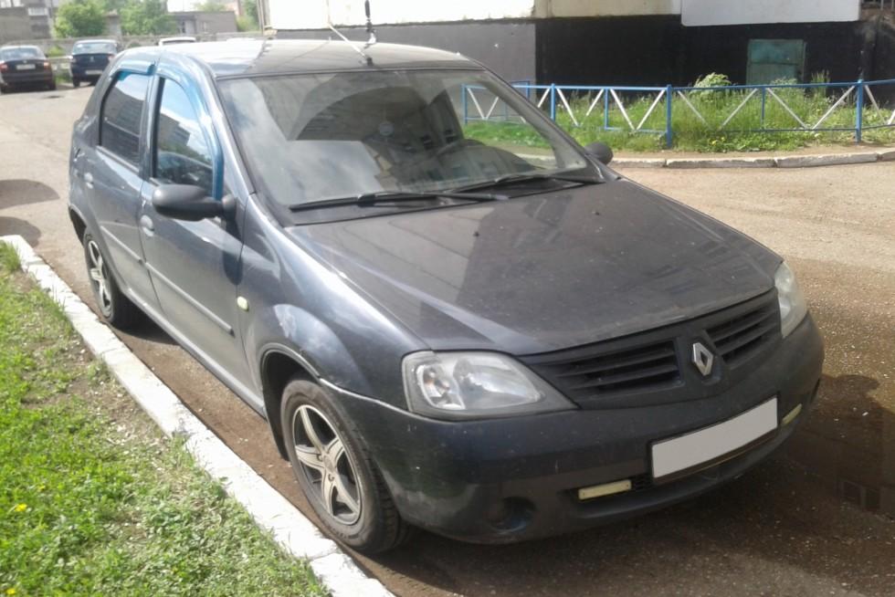 Renault Logan три четверти (2)