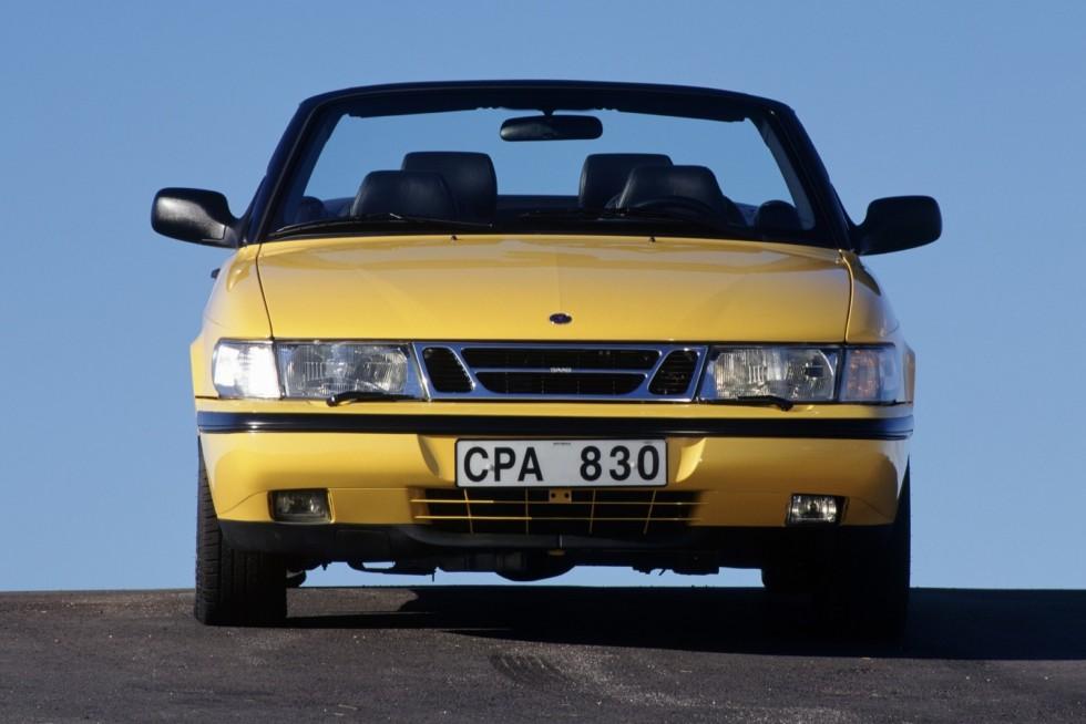 Saab 900 SE Turbo Convertible '1994–98 жёлтый спереди