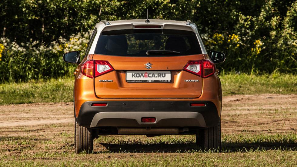 Suzuki Vitara оранжевый сзади (2)